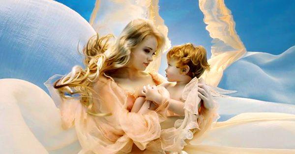 Всем мамам! Помолись о здоровье и благополучии дочери Пресвятой Деве, а за сына Господу Богу.
