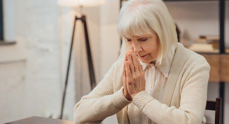 Молитвы на Пасху: какие лучше читать утром, а какие в течение дня
