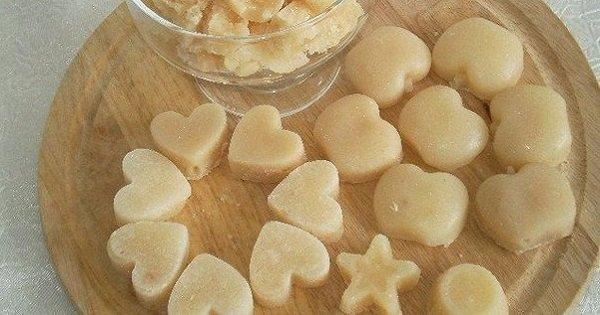 Сладкая жизнь собственными руками: домашние молочные конфеты быстрого приготовления.