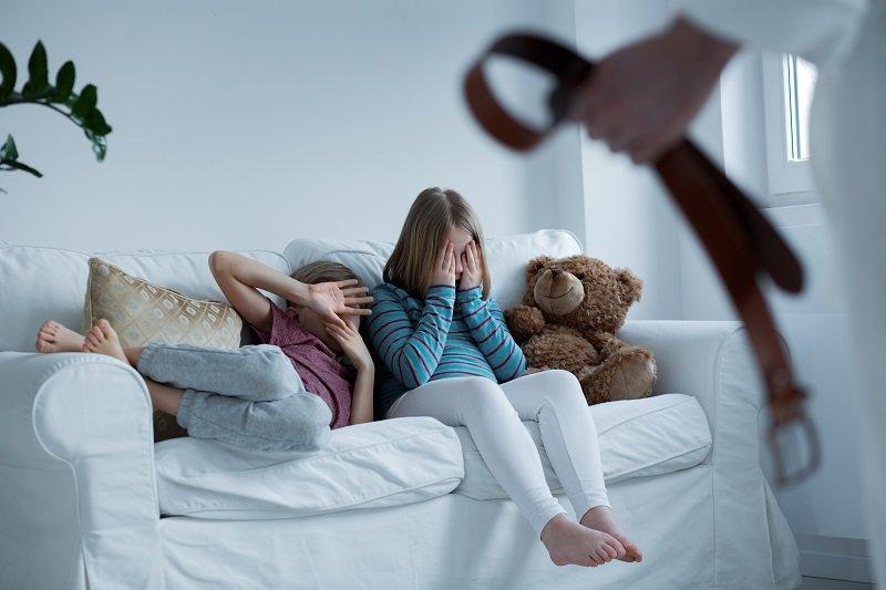 Вот как Швеция стала первой страной, где законом запрещено бить детей