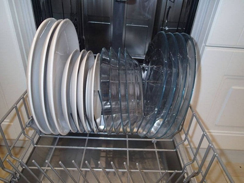 мыть посуду гости