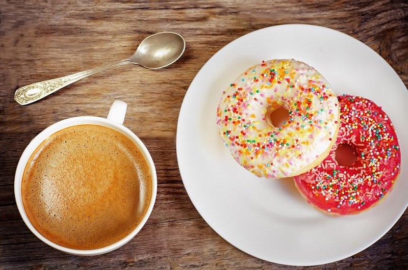 можно ли пить кофе с молоком натощак
