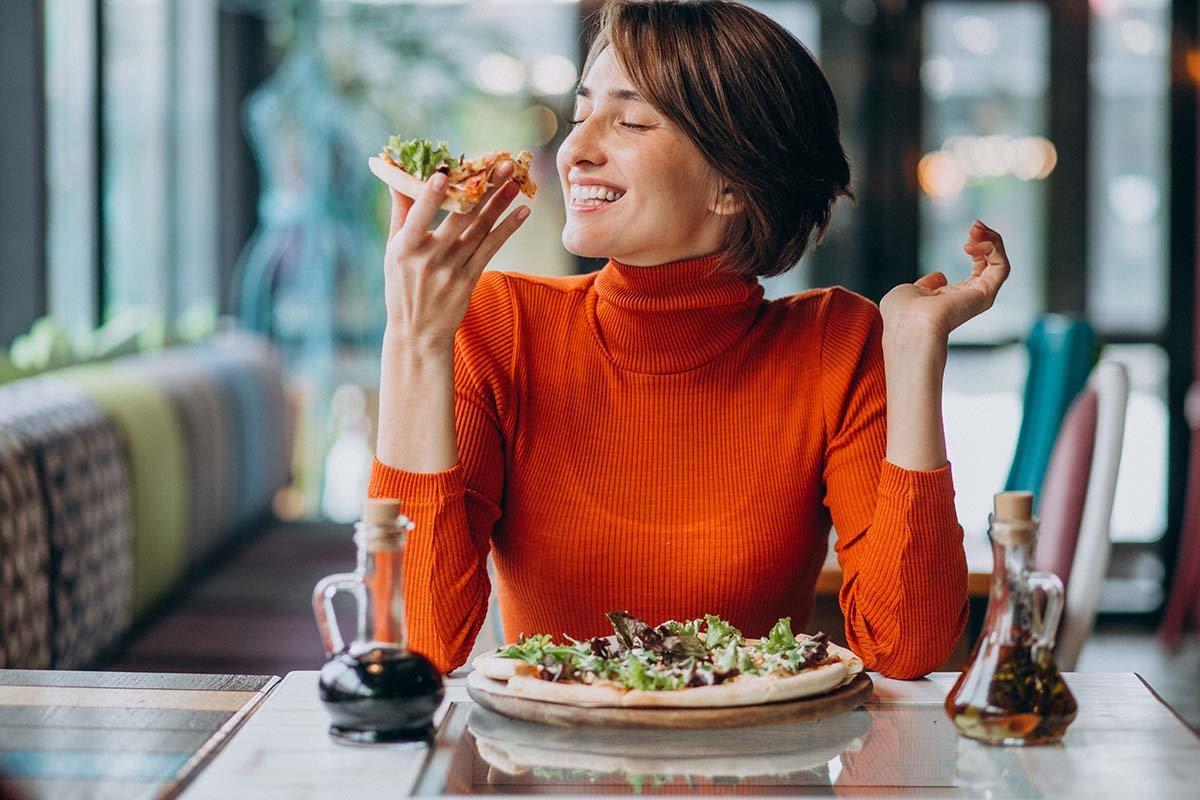 Что нельзя делать после еды, чтобы уберечь себя от нарушений самочувствия