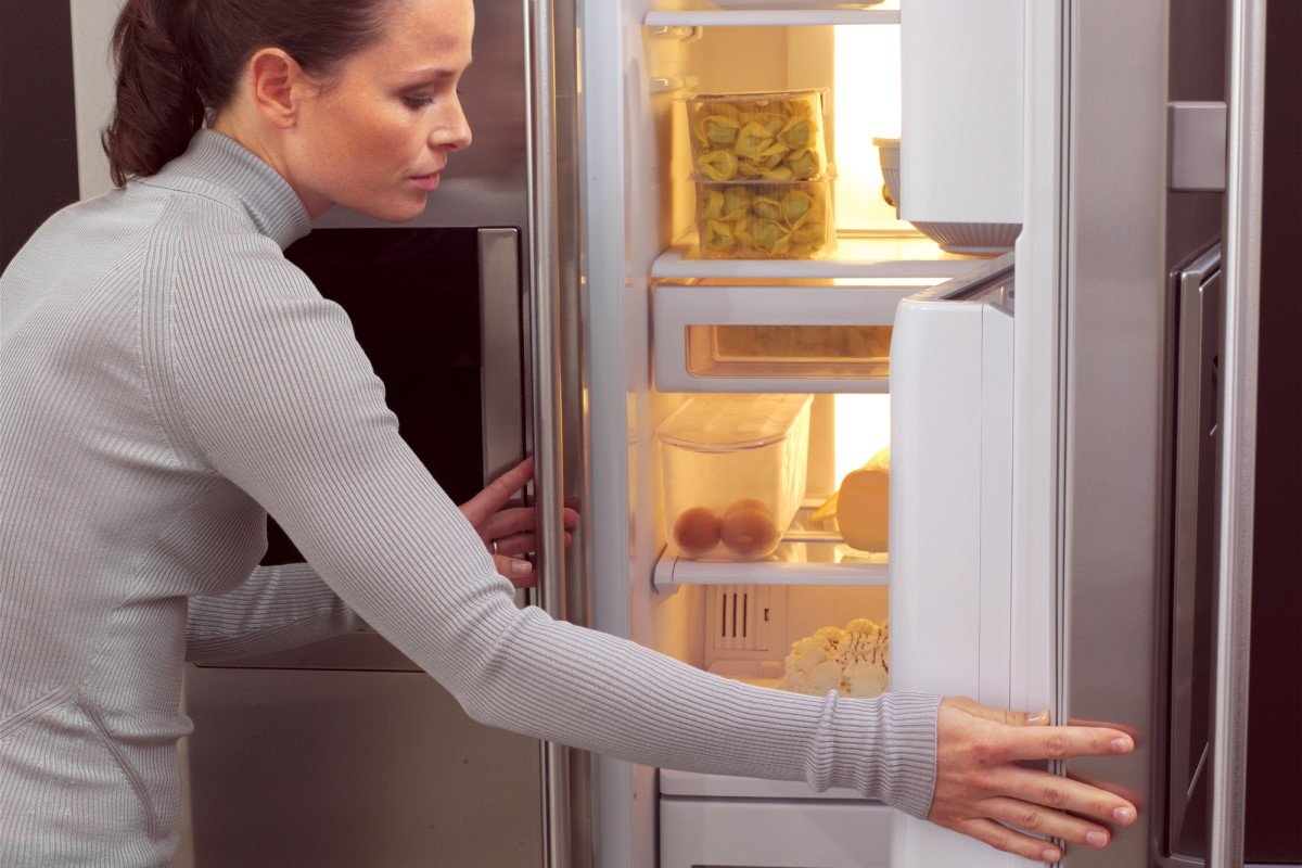 Можно ли изменить обжорливого мужа, что съедает всё самое вкусное самостоятельно Вдохновение,Советы,Быт,Муж,Отношения,Психология,Семья