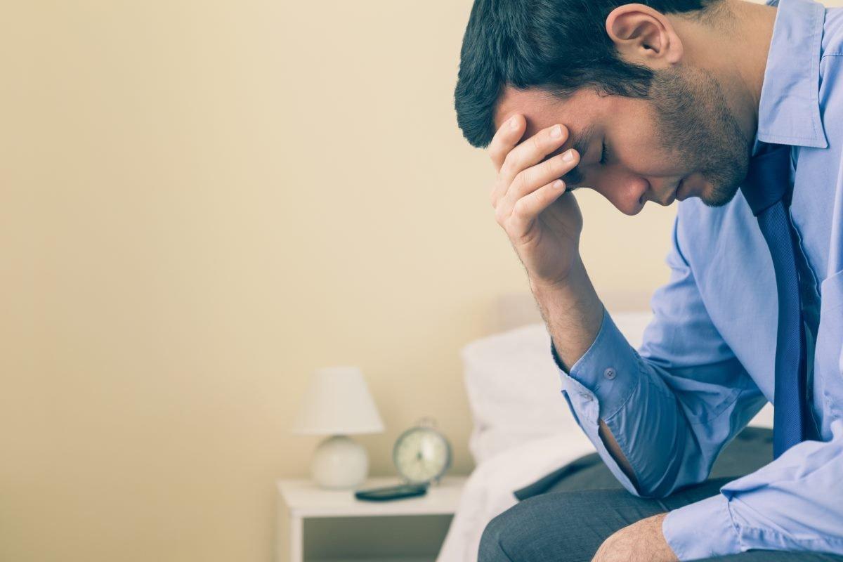Мужчины тоже плачут: почему нельзя сдерживать свои эмоции