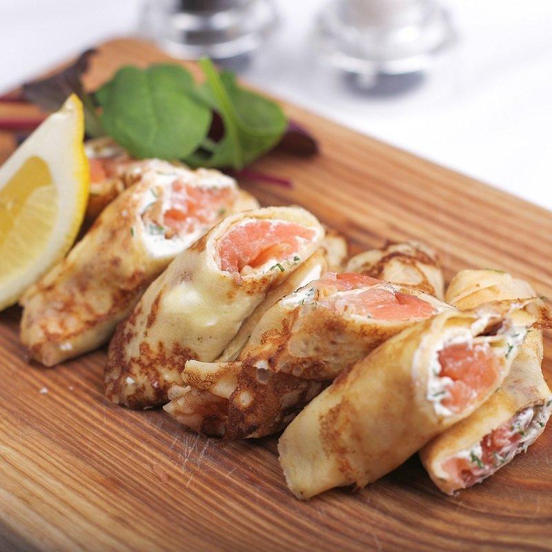 блинчики с лососем