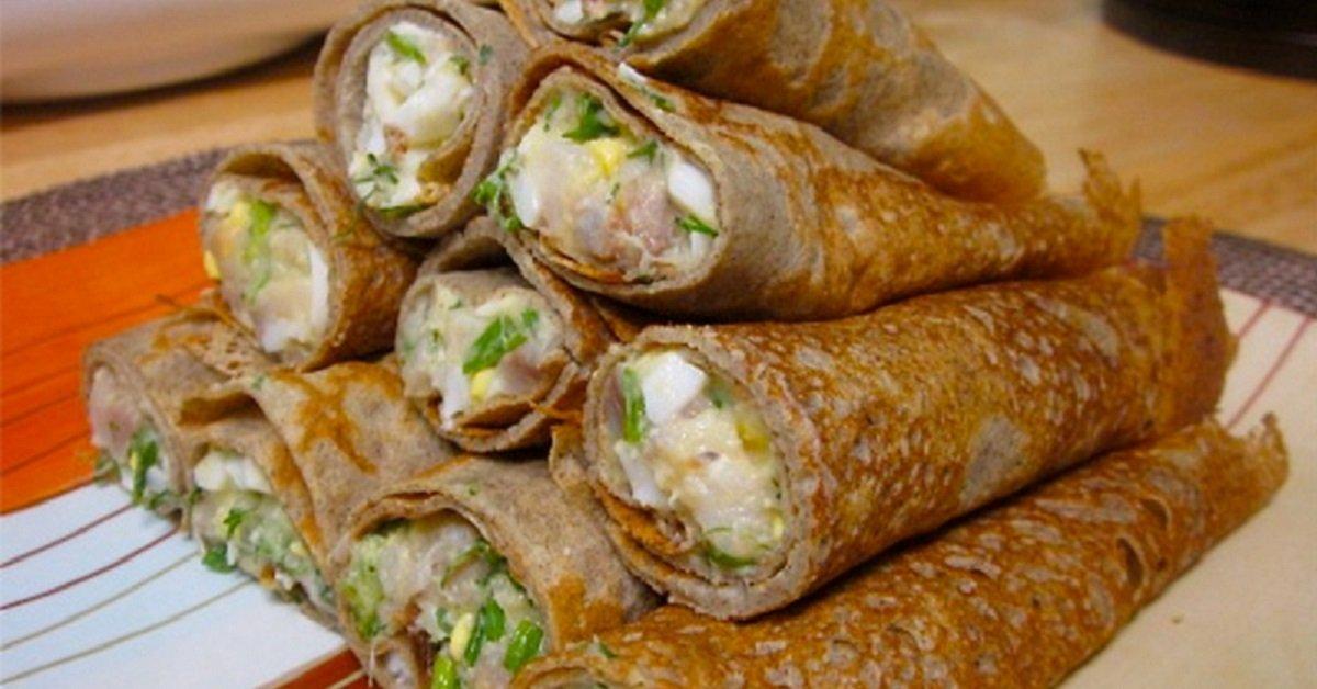 Главное в блинчиках — это начинка! 11 самых аппетитных вариантов.