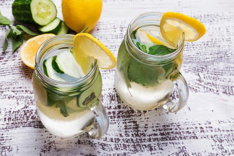 напиток для похудения с лимоном и огурцом