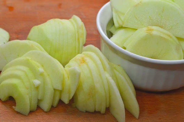 яблочный панкейк