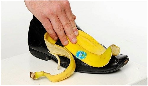 банан и обувь