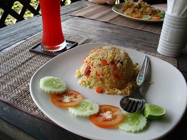 жареный тайский рис