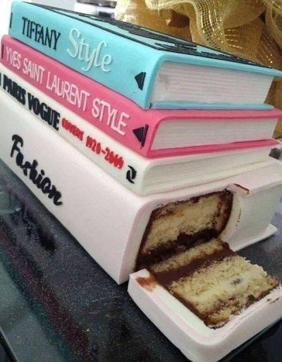 торт в виде книг