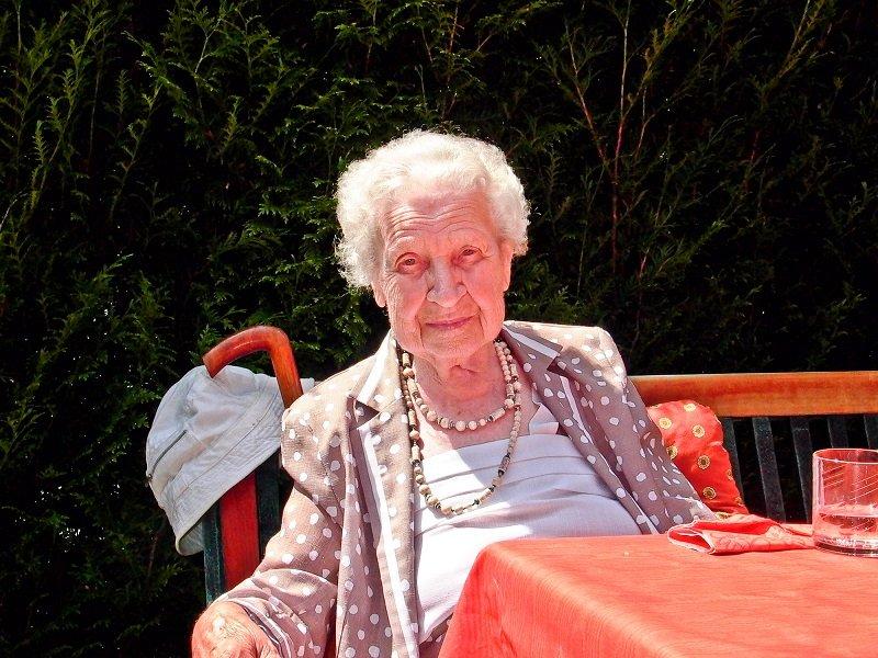 бабушка милая