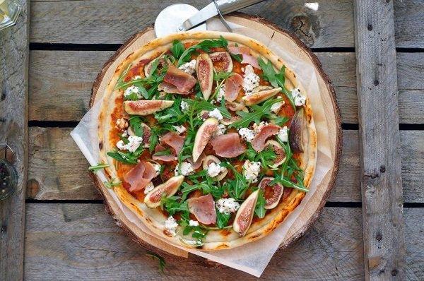 экзотическая пицца с инжиром