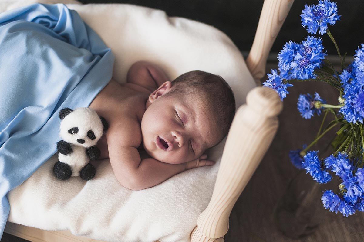 Что сказать ребенку на ушко, чтобы он спал безмятежно всю ночь ребенка, чтобы, малыша, ребенок, спать, нужно, малыш, время, приучить, начнет, затем, уложить, ребенку, плакать, заходить, засыпает, засыпать, родителям, сможет, которые