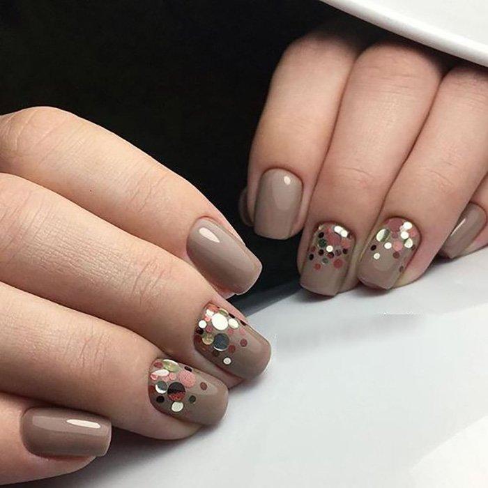 дизайн ногтей с камушками