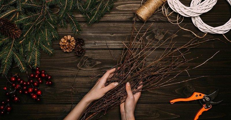 Тренд 2019 года — новогоднее дерево вместо елки. Шикарные композиции из обычных веток.