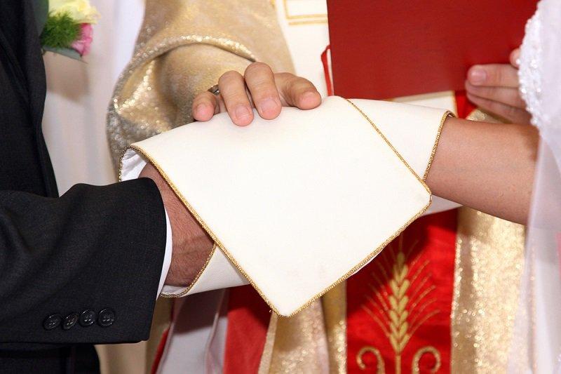 венчание в церкви одежда