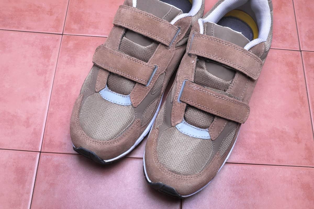 Как вернуть «липучесть» застежки на обуви