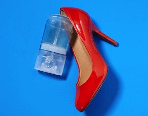 дезодорант и туфли