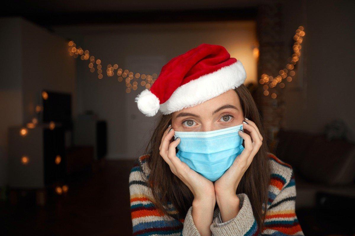 Специалист объясняет, почему нельзя носить маску на улице в мороз