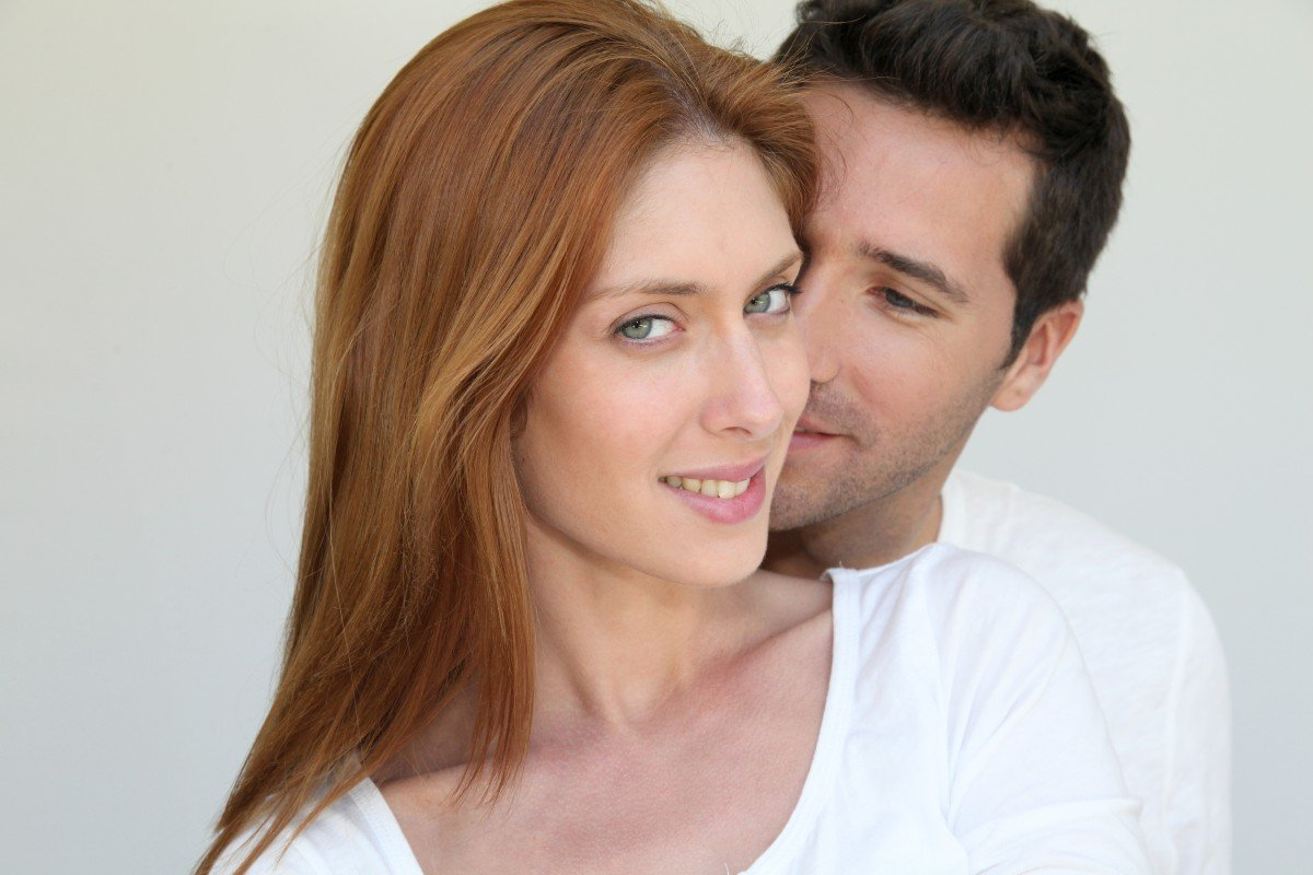 Мужчина после 40 будет околдован и охвачен страстью, если вести себя подобным образом