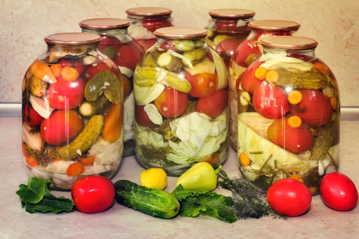 После работы махну на рынок за цветной капустой, руки чешутся закрыть 20 банок такого салата