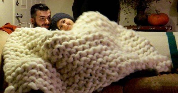 Эта девушка связала самое изумительное одеяло, которое ты когда-либо видел!