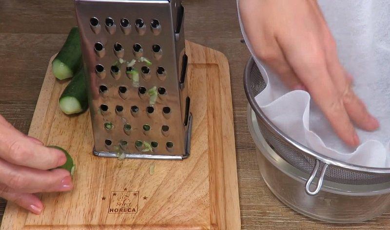 sos ogórkowy ze śmietaną