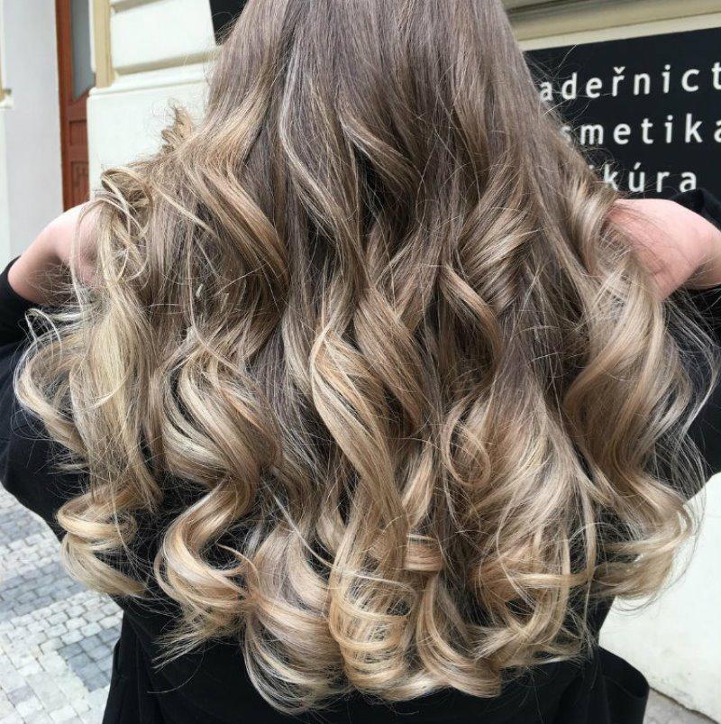 отросшие корни волос у блондинок