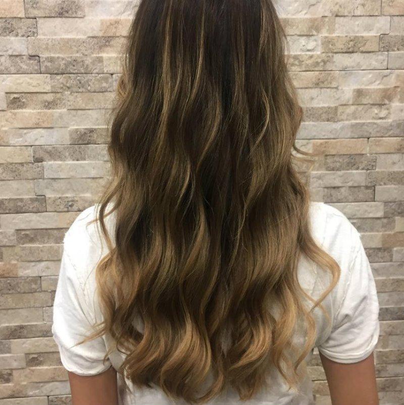 мода на отросшие корни волос
