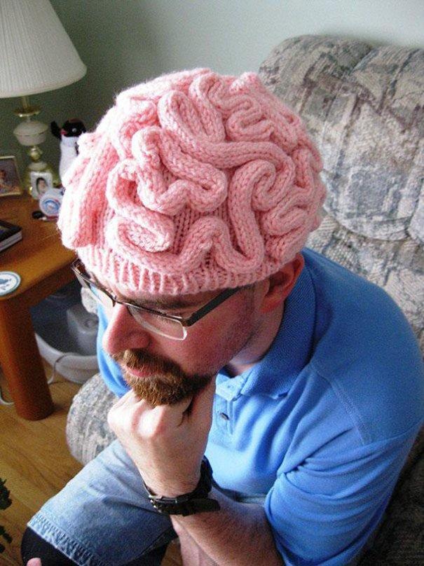 шапка с мозгами