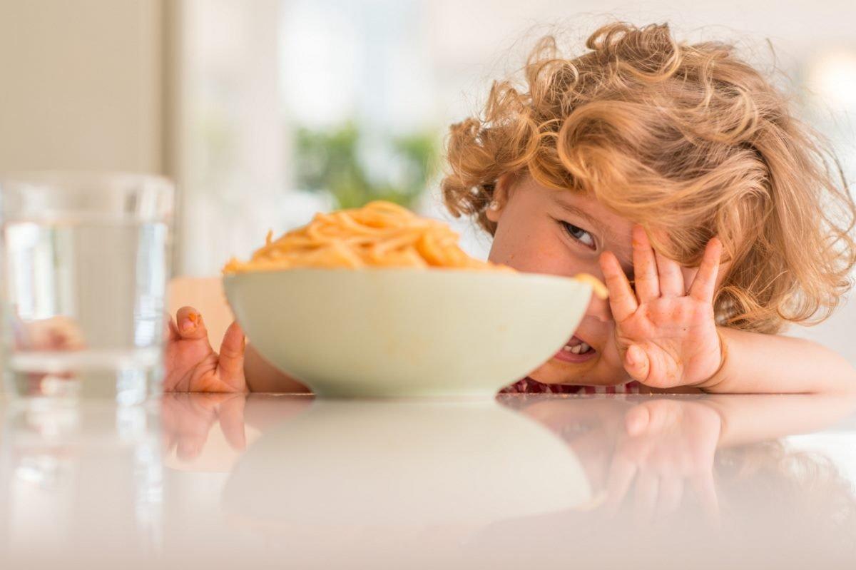 Почему современные родители не успевают заботиться о детях как следует