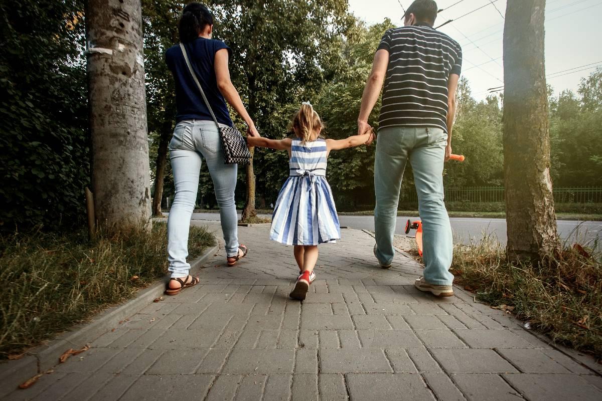 Почему в одних семьях рождаются сыновья, а в других нежные дочки