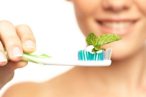 Отбелить зубы содой зубной пастой