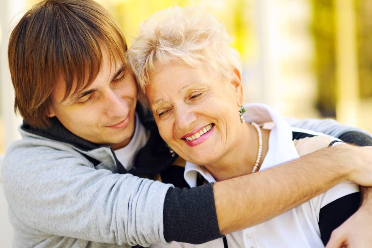 Почему мать, что не помогает сыну и его семье, уверена в своей правоте