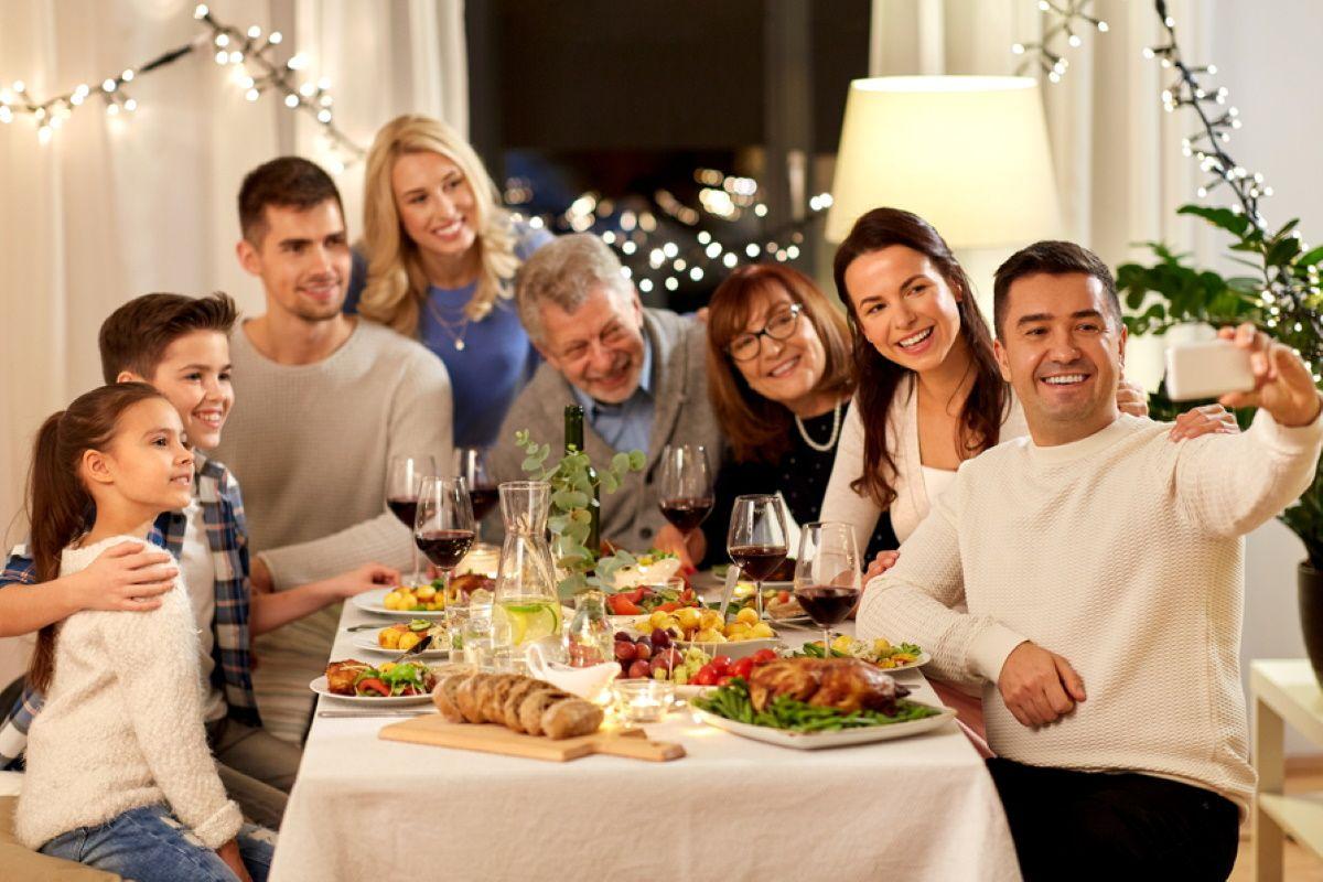 Как можно наладить отношения между родственниками