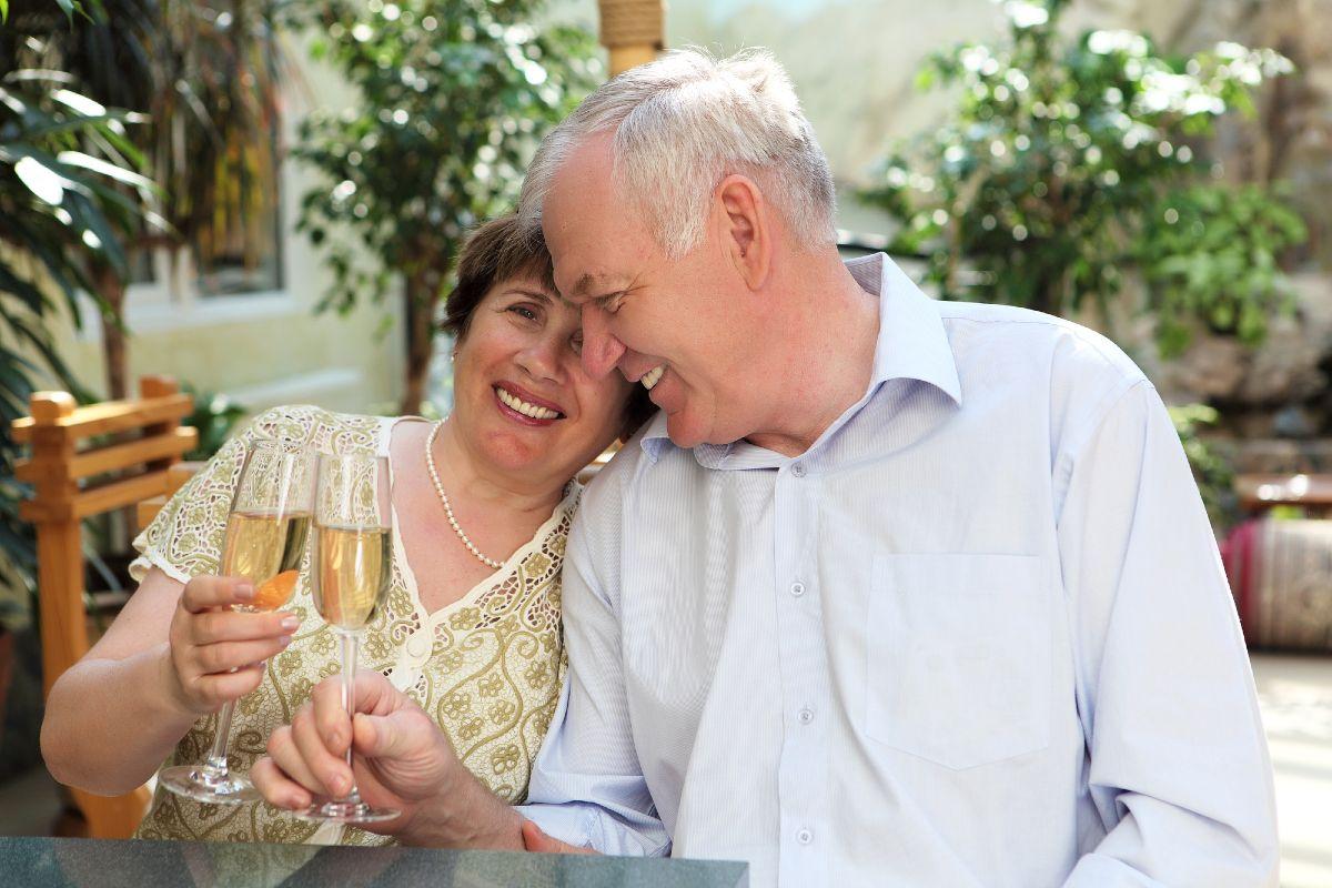 Почему нет смысла искать новые отношения после пятидесяти