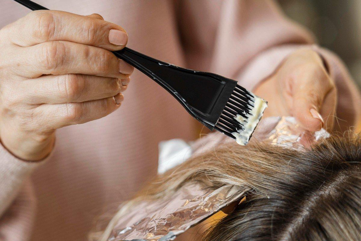 Оттенки красок для волос, из-за которых клиентки плачут прямо в кресле парикмахера Советы,Возраст,Волосы,Женщины,Краски,Красота,Лайфхаки,Парикмахер,Уход,Цвета