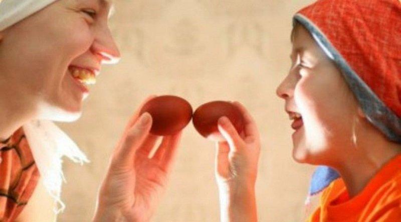 зачем чокаются яйцами на пасху