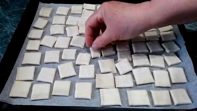 красивое печенье из слоеного теста
