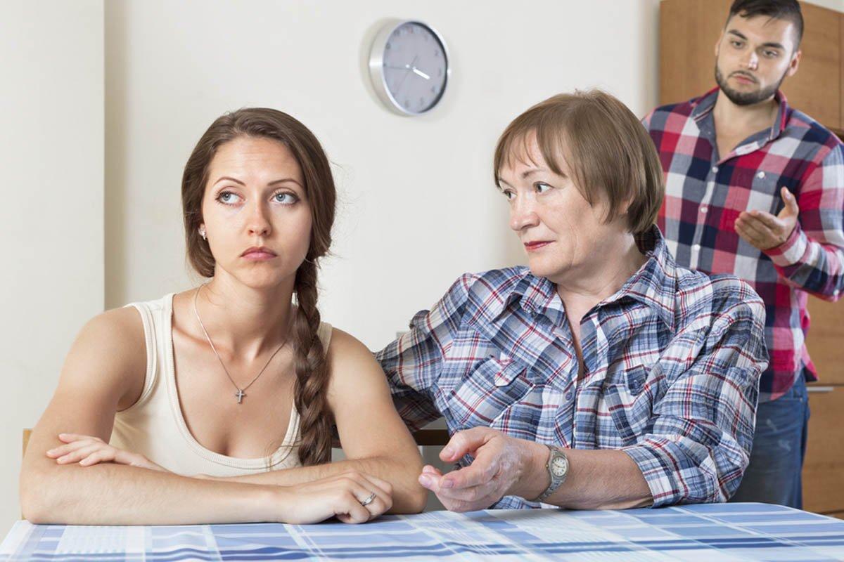 История о том, как переезд свекрови в дом по соседству нарушил мирную жизнь невестки