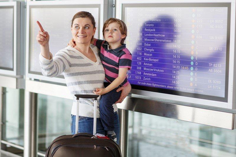 как спят дети в самолете