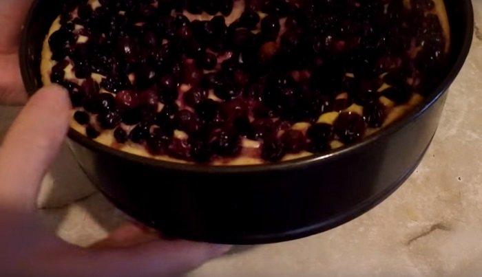 пирог с черной смородиной песочный