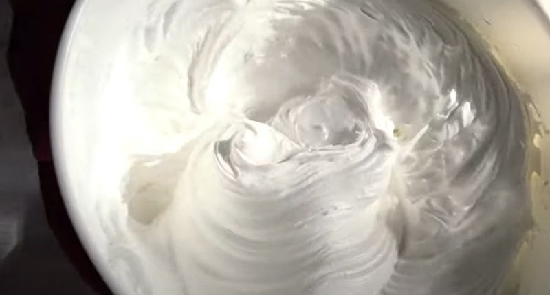 Как приготовить пирог с мереногой и смородиной