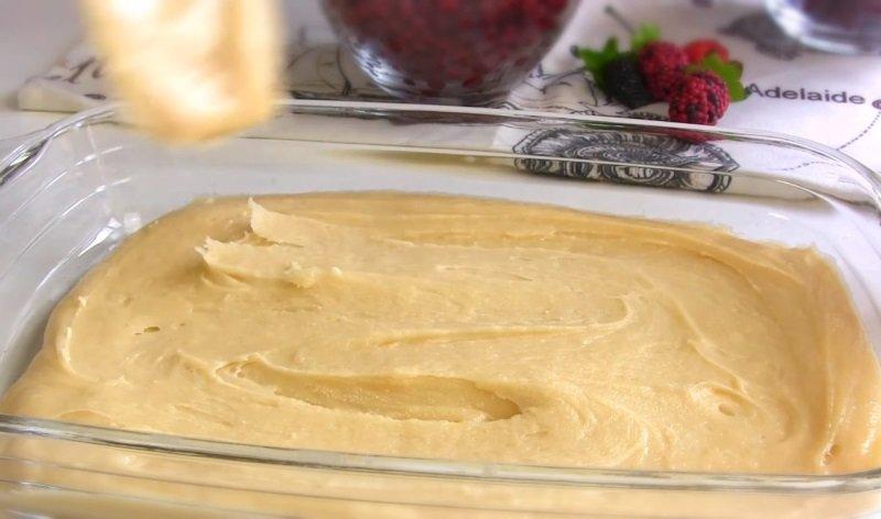 пирог в духовке с творогом и ягодами