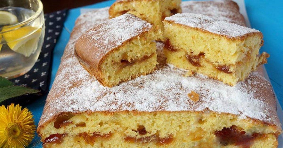 Пирог на быструю руку с вареньем
