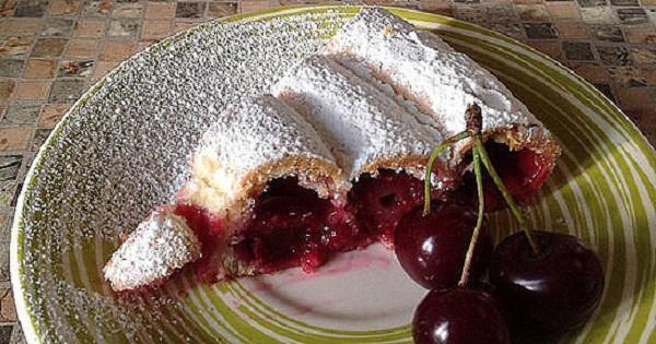 Усовершенствованный рецепт торта «Монастырская изба». Вкуснейший и более простой десерт с вишней.