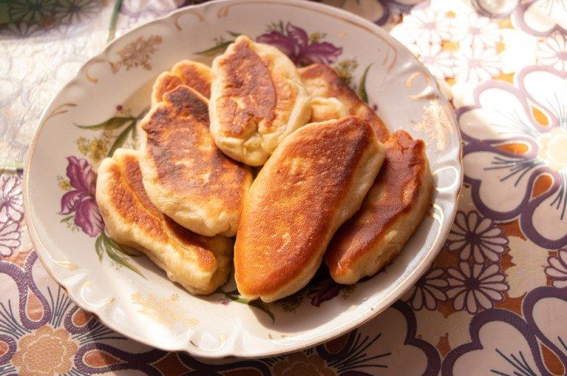 Рецепт пирожков без дрожжей, который попросит даже мама, что всю жизнь печет и жарит без устали