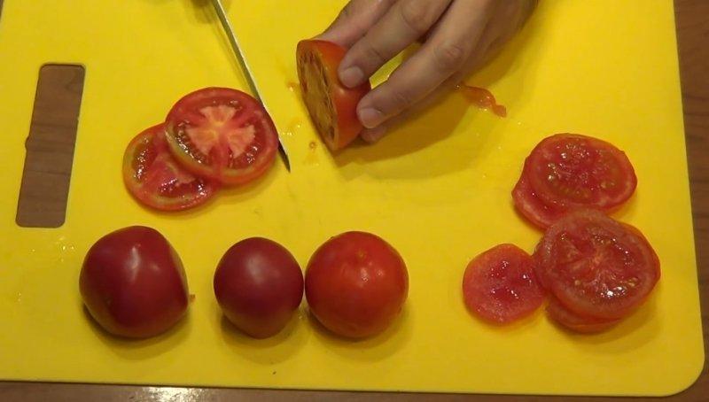placki bombowe z pomidorami i serem
